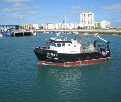 """Construção de barco arrasto costeiro """"Filho do Mar"""""""