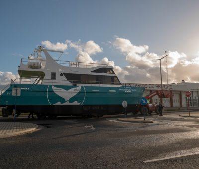 """Construção de barco para passageiros """"Baia dos Golfinhos"""" Eléctrico"""